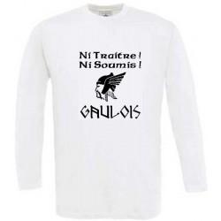 """t-shirt blanc manches longues grande tête de Gaulois. Mention """"ni traitre, ni soumis"""". gaulois"""