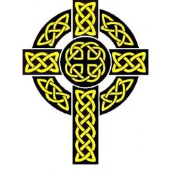 Gros plan sur la croix celto-chrétienne.